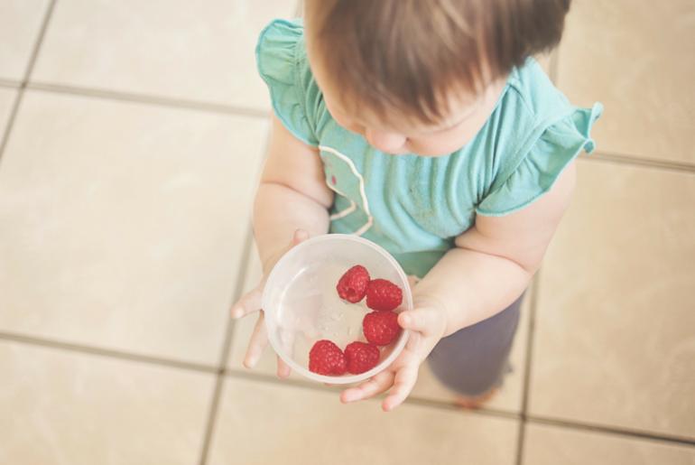 jak prawidłowo odżywiać dziecko