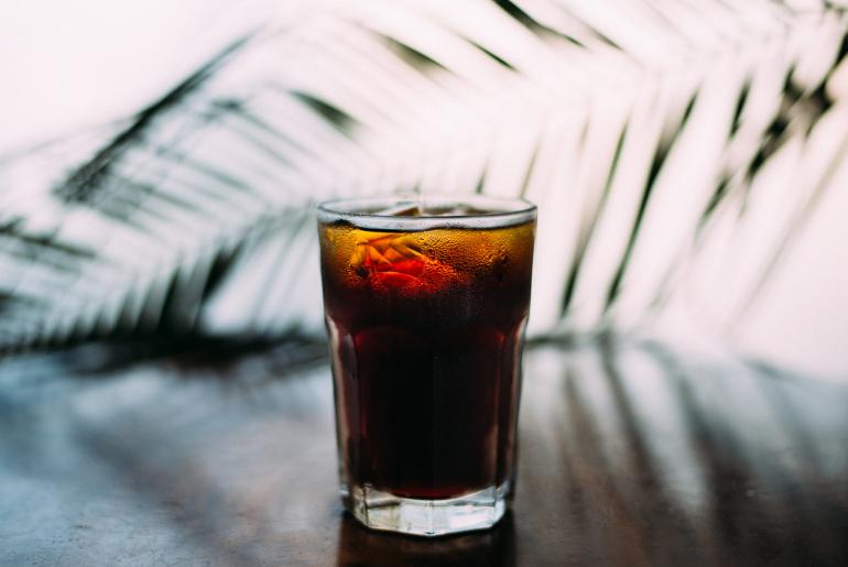 jak przestać pić słodzone napoje_dieta online