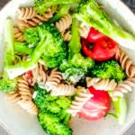 makaron z brokułami i serem pleśniowym_zdrowe przepisy