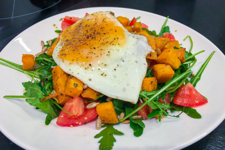 sałatka z batatem - blog dietetyczny